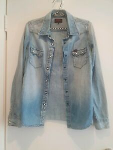 Elwood Denim Buttom up top, Ladies Demin button up top Size Small