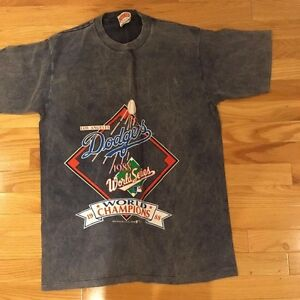 2020 1988 Dodgers T Shirt World Series NEVER WORN Tommy Lasorda
