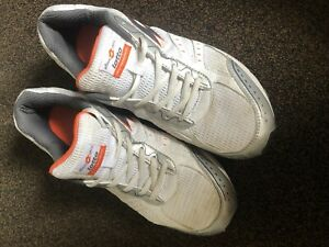 LOTTO, MENS RUNNING TRAINERS, WHITE, SILVER & ORANGE, SIZE 10 UK.
