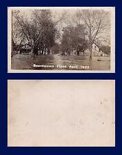 US ILLINOIS BEARDSTOWN FLOOD 1922 REAL PHOTO MEN IN BOAT ON RESIDENTIAL STREET