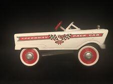 Hallmark Kiddie Car Classics 1961 Murray Speedway Pace Car 1:24 Scale Diecast