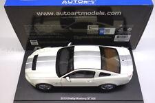 AutoArt 1:18 72917 Ford Shelby GT500 GT 500 weiß white / silver stripes NEU OVP