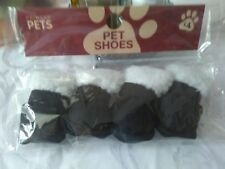 NOUVEAU PET chaussures, pour chiot ou petit chien, de PRIMARK pets.