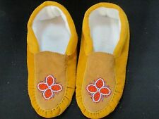 NATIVE AMERICAN BEADED MOCCASINS 10 1/2 INCHES ORANGE VINE FLEECE LINED