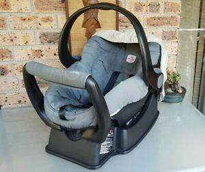 Britax Unity Safe-n-Sound - Baby Capsule Very Good Condition
