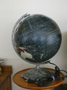 "VTG 1990'S LIGHTED REPLOGLE STARLIGHT SERIES 12"" GLOBE BLACK OCEANS LIGHTED LAND"