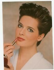 Photo mode fashion Isabella Rossellini ? rouge à lèvres make up manequin