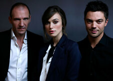 DOMINIC COOPER, RALPH FIENNES & KIERA KNIGHTLEY PHOTO - 8880 - THE DUCHESS