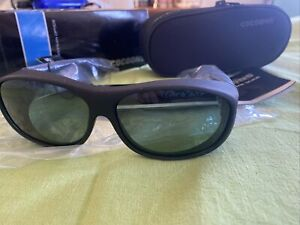 COCOONS Sunglasses Slimline  Flex2Fit  C402G Black Gray Medium  With Case