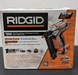 RIDGID R09890K 18V 18 Gauge Cordless Brad Nailer with battery charger and bag