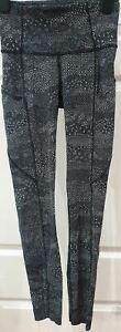 LULULEMON Black White Floral Abstract Print Activewear Yoga Capri Leggings Pants