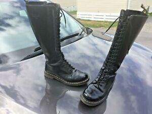 Dr Martens 1B60 black smooth polished leather boots UK 7 EU 41