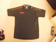 Boys UMBRO black red sports football top shirt LB 152 approx age 10-11 FREEPOST