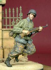 D-Day Miniature 35051 1/35 Running WSS Grenadier in Telogreika 1943-45