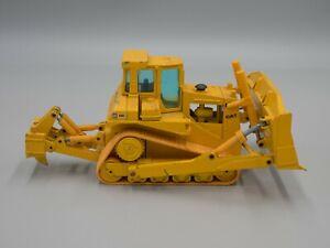 NZG #233 1:50 Caterpillar D8L Track-Type Tractor w/ Ripper
