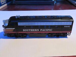 Bachmann Plus HO FP-7 Locomotive Southern Pacific #6440