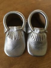First Steps Classic Silver Fringed Toddler Leather Moccasins Sz 5