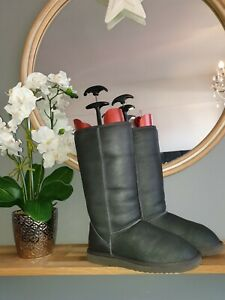 RARE EARLY STYLE UGG CLASSIC TALL BOOTS SIZE W9 UK 7. GUNMETAL. RARE!!