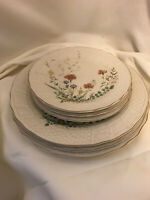 Mikasa Margaux Fine Ivory Mixed Lot Dinner And Salad Plates - 6 Pieces