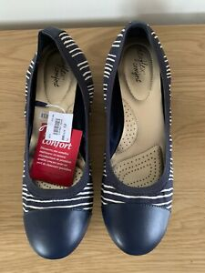 NEW Ladies Navy & White Striped Wedge Heeled Shoes Size UK 10 (EUR 45)