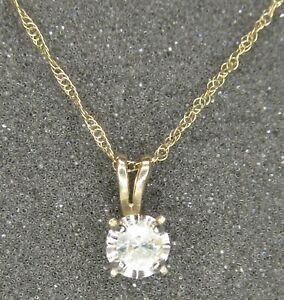 "9ct GOLD 1/4ct DIAMOND PENDANT & 18"" CHAIN .............. A33"