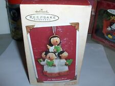 Al Mundo Paz!`2004..The Christmas Air Full Children's Caroling`Hallmark Ornament