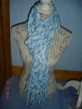 écharpe en laine longue, pastel : bleu clair, crème, H&M comme neuve