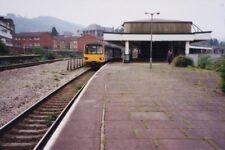 PHOTO  PONTYPRIDD RAILWAY STATION MID GLAMORGAN 2000