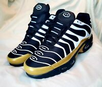 Men US 12.5 Black Gold Air Cushion Sneakers Running Athletic Tennis Shoes Gym