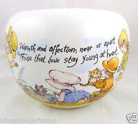 Strawberry Shortcake McCoy Pottery USA White Matte Art Florentine