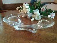 ELEGANT SIGNED FREE FLOWING STRETCH ART GLASS OVAL BOWL DAUM STYLE CENTERPIECE