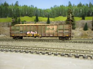 ho weathered freight cars custom walthers wood chip model train car  BN load