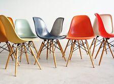 * Vitra Charles Eames Fiberglass Fiberglas Side Chair DSW neue Generation NEU *