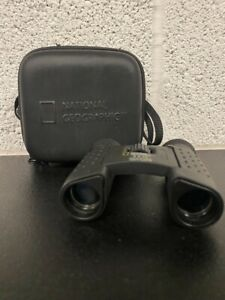National Geographic Binoculars 8 x 22 Field of View 393 FT / 1000 YD Carry Case