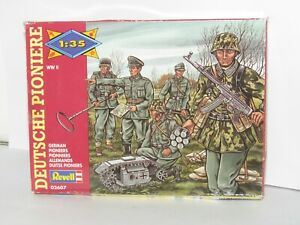RARE REVELL 1/35 WWII GERMAN PIONEERS X 10 FULL MINT SET ON SPRUES BOXED  SET 2