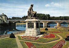 BR52393 Statue de rabelais sur les bors de la vienne Chinon      France