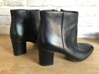 Franco Sarto Size 9.5 Black Leather Ankle Boots Booties Boots Zipper Chunky Heel