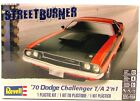 Revell 1970 Dodge Challenger T/A 2'n1 85-2596 1/24 New Plastic Model Car Kit