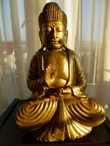 Buddha statue, bois doré wood laquer with gold, Cambodge, Khmer art Angkor style