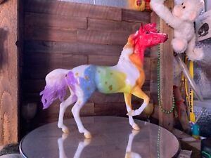 Breyer Model Horse Mustang Mare Glossy Dapple Rainbow Paint Appy  CM =).