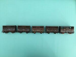Mainline / Wrenn  Weathered Cattle wagons rake of 5 OO gauge unboxed suit Hornby