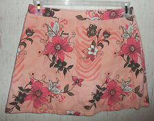 EXCELLENT WOMENS FASHION BUG PEACH W/  FLORAL KNIT SKORT  SIZE M