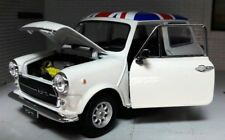 LGB G 1:24 Scale Diecast Model Austin Rover Mini Classic Cooper White Roof Flag