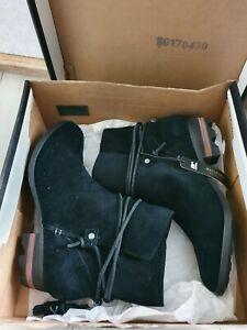 Sorel boots. Brand new