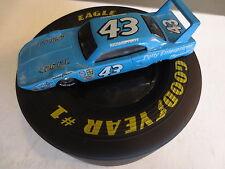 Richard Petty Goodyear Tire Display & 1:64 Die cast Car Plymouth 43 Mopar 1991
