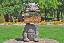 "Gartendrache mit Wackelkopf ""Willkommen"" - MystiCalls - Drachen Deko Figur"