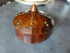 ancienne boite en bois martelée avec couvercle clouté 7 €