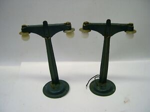 Lot of Two O Gauge Double Streetlamps [Lot M-5]