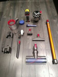 Dyson V8 Absolute Complete Cordless Vacuum (item158)