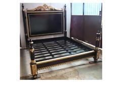 Cadre lit queen size 160X200 noir et doré à la feuille d'or, d'un château